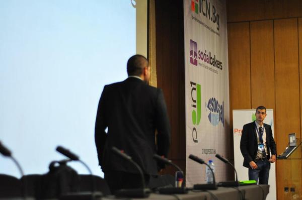 Стефан Чорбанов и Димитър Димитров от Stenik на SocialMe Workshop